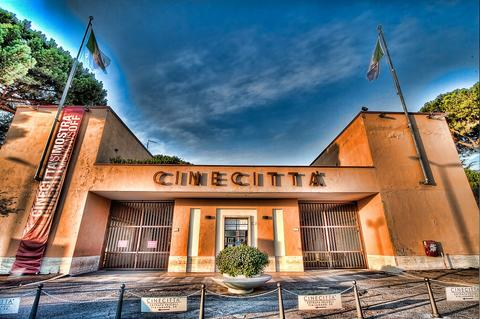 Мега-кино-парк развлечений Cinecittà World в Риме